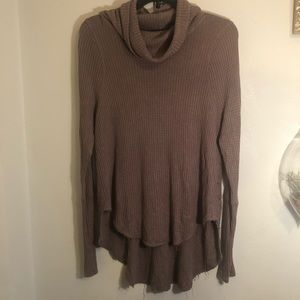 Free People Size Small long sleeve cowl sweater